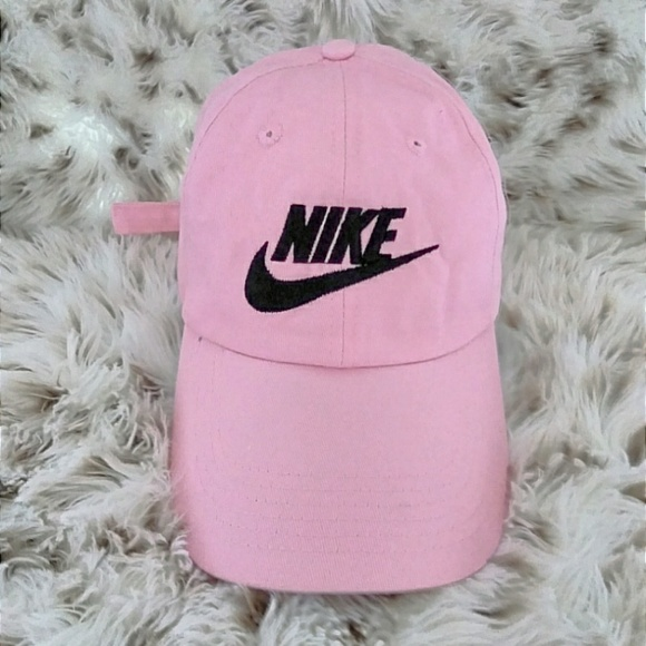 WOMENS EXCLUSIVE PINK NIKE ADJUSTABLE DAD CAP 54fcd94b999